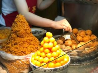 taipei-ningxia-night-market-liuyuzi-taro-ball