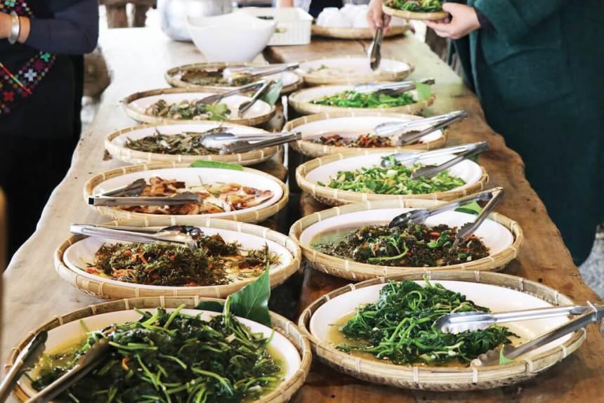 Flower-Viewing-in-Taipei-Yangmingshan-hydrangeas-wild-herb-potherb-cuisine.jpg