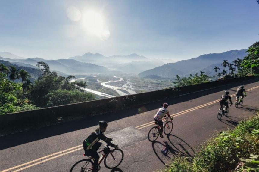 Taiwan_Scene_Taiwan_or_Thailand_Amazing Cycling Road in Taiwan