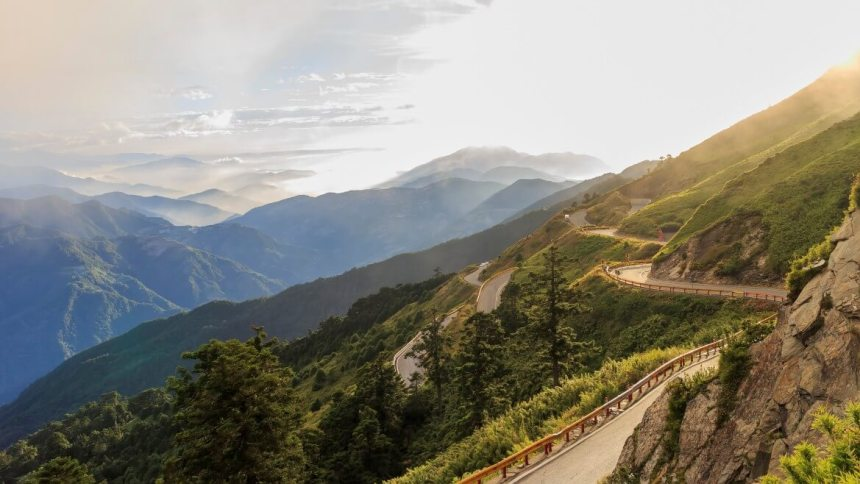 Taiwan_Scene_Taiwan_or_Thailand_Cycling Road Taiwan