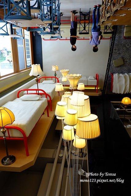 1013 - Butty Buddy.逢甲商圈新開幕的簡約英倫風早午餐,餐點好吃、環境有特色,檯橙、歐式老鐵管床、行李箱都跑到天花板上了