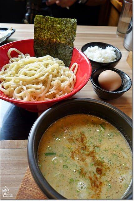 『台中美食』 富士山55沾麵-日本關西元祖級沾麵,全台第一家分店在台中,一沾麵兩吃法,可沾麵可雜炊,美味又划算。