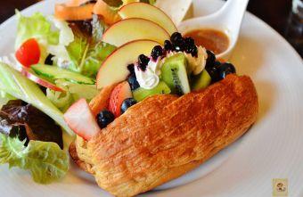 2015 09 09 190547 - 【台中西區】畢洛雅咖啡館~精緻且平價美味的早午餐,環境幽靜,有無線網路和插座,適合讀書和工作的好地方