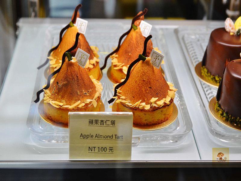 【台中西區】檸檬洋菓子~小巷中的平價甜點蛋糕店,檸檬塔清爽又好吃,百元有找喔