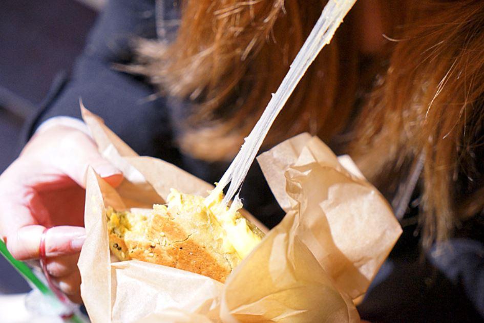 台中深夜食堂│深夜戴綠帽吃燒餅,綠帽燒餅試賣期間只到31號跨年夜,元旦就會先停售做修正