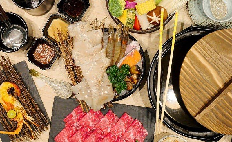 【熱血採訪】春花秋實海鮮和牛鍋物:超划算單人小資餐 一次吃到PRIME牛肉 整隻透抽海鮮盤 前菜甜點加飲料只要499元份量大滿足