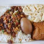 台中便當|富鼎旺~台中豬腳老店的魯肉飯便當 平價又下飯的小資用餐好選擇