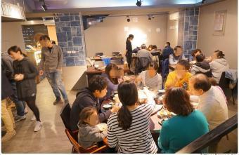 熱血採訪   深紅(昇鴻)汕頭鍋物,用餐人潮大爆滿,超霸氣龍蝦海鮮鍋與隱藏版
