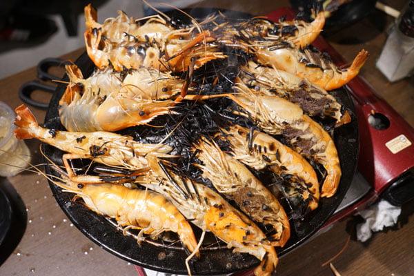 2019 04 01 202751 - 熱血採訪│青海路流水蝦「泰哈HOT蝦」吃到飽,一開幕人潮大爆滿,竟然還有蓄蝦池(已歇業)