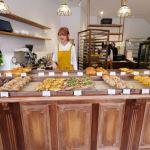 順道パン-海線人氣順道菓子店最新力作,人氣麵包賣好快,二樓木質調用餐區好拍又舒適