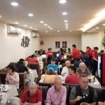 香港老闆開的超人氣茶餐廳,品嘉茶餐廳中午11點半不到店內就座無虛席!
