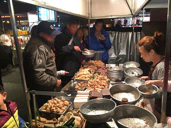 2019 10 13 162417 - 台南小北成功夜市,吃味鮮鹽酥雞人潮滿滿超誇張,台南宵夜必吃