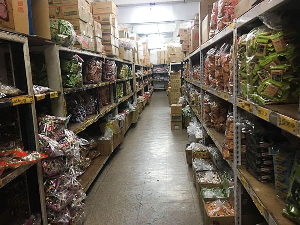 2019 10 14 003339 - 強烈建議千萬不要來會失心瘋,台南大型零食批發就在百興隆食品行