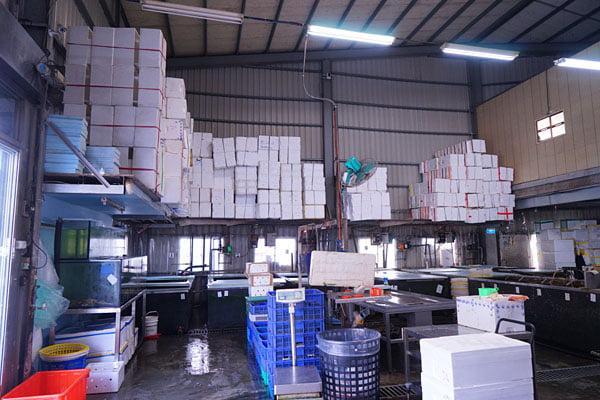 2019 10 15 010250 - 裕泰海產台中海鮮批發商,就在環中路鐵皮屋內,各類海鮮樣式俱全