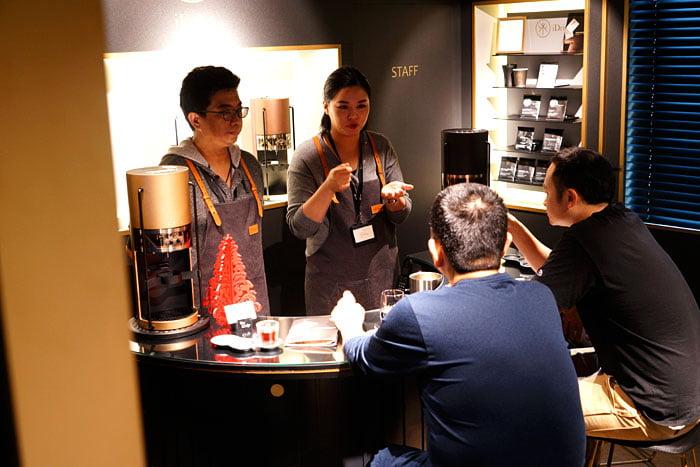 2020 01 04 160216 - 熱血採訪│沒預約喝不到!藏在新時代百貨的世界冠軍手沖咖啡,就在iDrip智能手沖咖啡機展銷中心