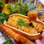 熱血採訪│台中海膽火鍋一鍋三吃,鮮甜美味讓人一吃就上癮,不吃菜盤還能換肉盤