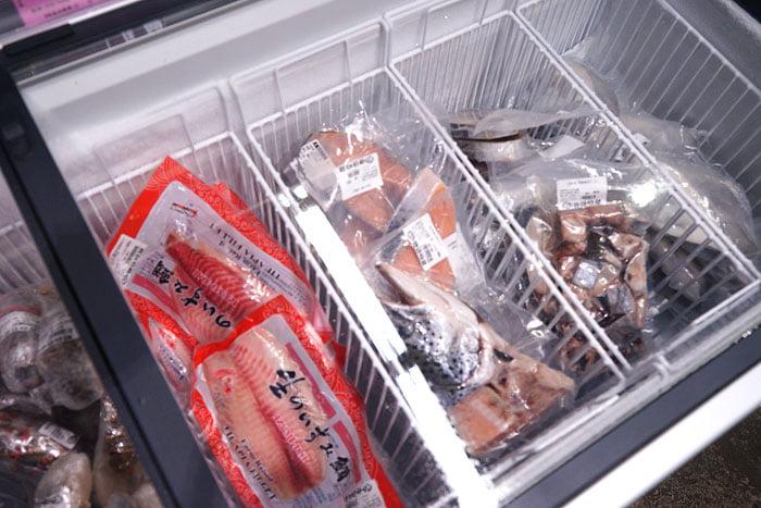 2020 09 21 013512 - 熱血採訪│台中海產批發超商,超大凍庫有夠冷,現場活海鮮也不少,期間限定泰國蝦一斤250