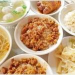 大台北圓環魯肉飯║第三市場傳統早午餐,噴香魯肉飯、爌肉飯、草菇湯、赤肉焿料多美味,一大早就補滿元氣!
