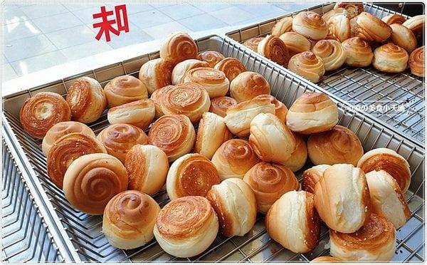 2020 12 27 210504 - 一顆只要7元的上海脆皮烤饅頭,當日現烤噴香鹹甜口味,第三市場銅板小吃你吃過沒