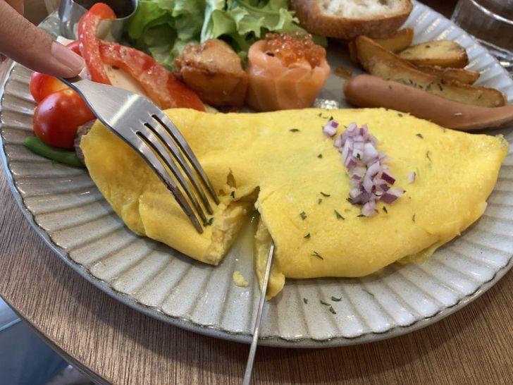 2020 12 31 220120 - 西區早午餐|台中人氣早午餐小家山食,包著菠菜的歐姆蛋捲你吃過嗎?