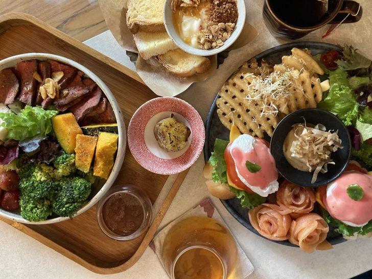 2020 12 31 221004 - 西屯區早午餐|拾陌 Shihmo大份量美味早午餐,激推鮭魚玫瑰花佐班尼迪克蛋,淋上粉色荷蘭醬好浪漫~