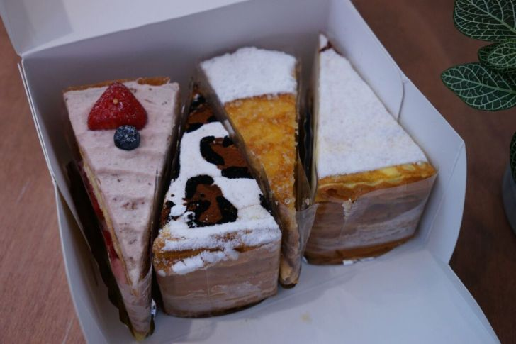 2021 01 20 154002 - 熱血採訪|台南人氣千層甜點狸小路逢甲新開幕!1月限定組合,6吋草莓巧克力蛋糕+長條原味初雪只要450元
