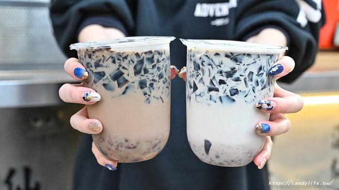2021 01 31 232759 - 台中人氣古早味仙草凍飲,一杯只要25元起,料超多,還有熱仙草凍,別於一般燒仙草口感唷