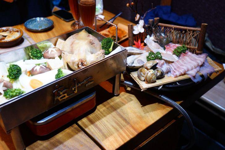 2021 02 15 230408 - 熱血採訪 台中長形金雞聚寶白鍋,滿滿蔬食海鮮配上整隻小蔘雞,雞高湯無限續加