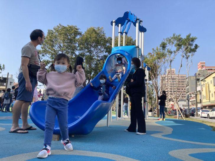 2021 02 25 213058 - 台中南區全新綠川水淨樂園,多樣新奇兒童遊樂設施,地面鋪上防護地墊更安全