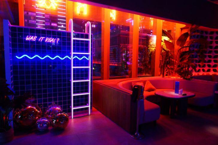 2021 02 27 142607 - 熱血採訪|台中最夯空中夢幻泡泡屋,SOAK Taichung泳池主題派對,下班小酌就約這!