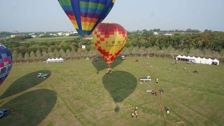 2021 04 02 233019 - 台中也有熱氣球!繽紛療癒好好拍,還可體驗熱氣球繫留,從天空俯視整座城市