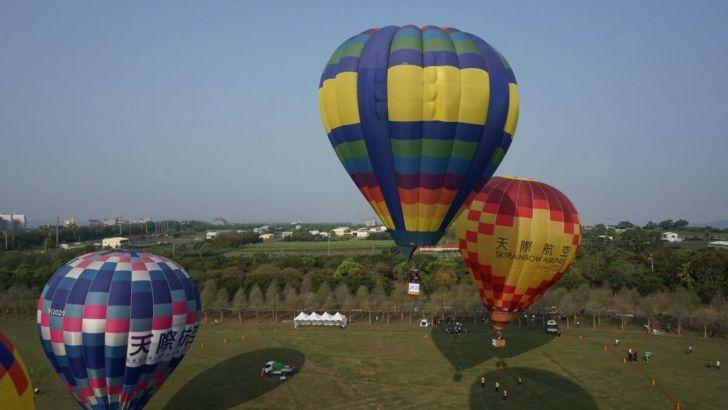2021 04 02 233040 - 台中也有熱氣球!繽紛療癒好好拍,還可體驗熱氣球繫留,從天空俯視整座城市