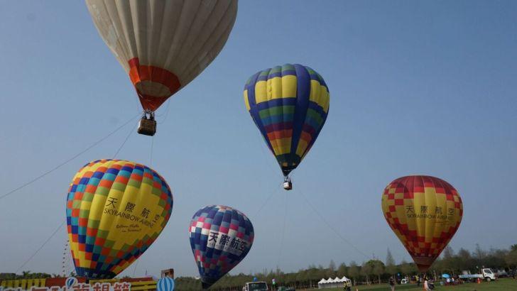 2021 04 02 233200 - 台中也有熱氣球!繽紛療癒好好拍,還可體驗熱氣球繫留,從天空俯視整座城市