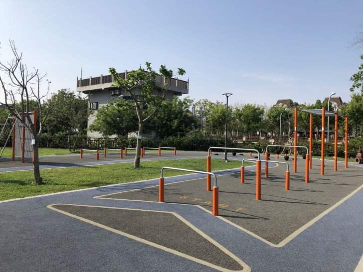 2021 04 17 155631 - 台中又有新公園啦!黎新公園超大圓形攀爬網,還有少見的無障礙盪鞦韆、戶外健身設施