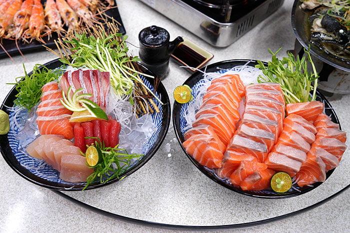 2021 04 22 005421 - 熱血採訪│這間海鮮超多人,厚切生魚片一大盤吃到爽,參加活動30片只要200元超浮誇