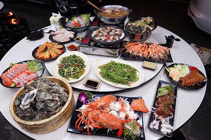2021 04 22 005456 - 熱血採訪│這間海鮮超多人,厚切生魚片一大盤吃到爽,參加活動30片只要200元超浮誇