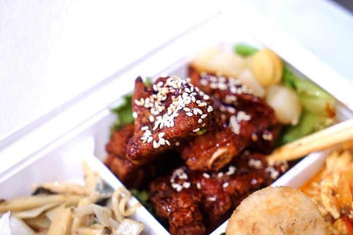 2021 07 11 011735 - 熱血採訪│期間限定梅香焗子排餐盒,一次8種配菜超豐富,外帶自取送飲料,就在鴻龍宴