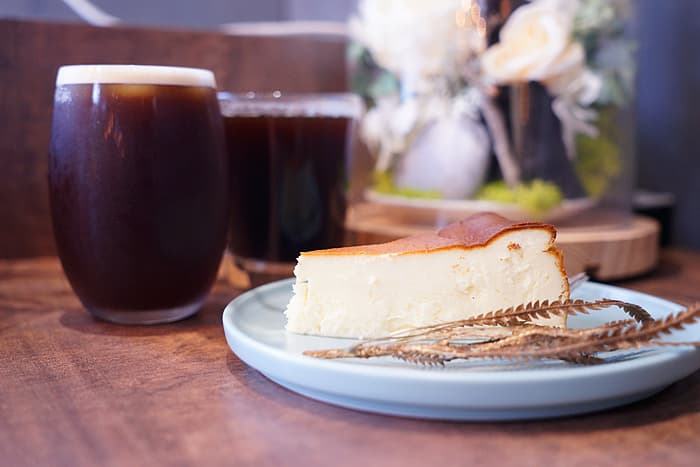 2021 08 21 024157 - 熱血採訪│店面低調不起眼,在地人也不一定知道的沐山麵包,中秋少見磅蛋糕口味禮盒在這裡