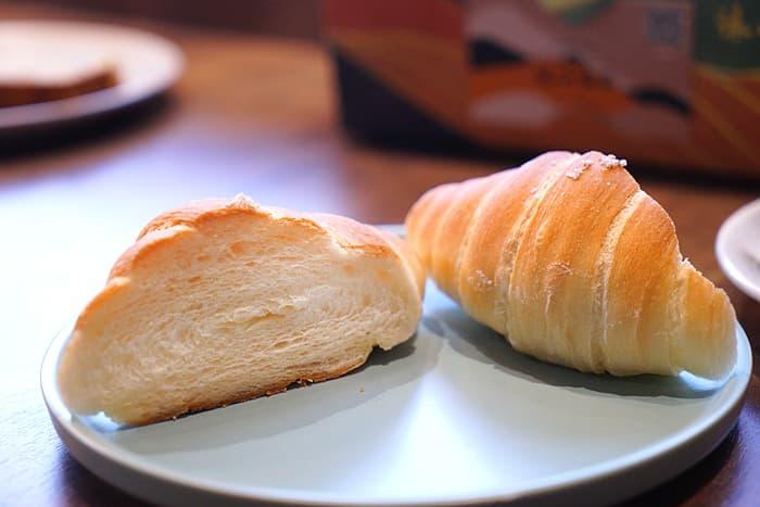 2021 08 21 024204 - 熱血採訪│店面低調不起眼,在地人也不一定知道的沐山麵包,中秋少見磅蛋糕口味禮盒在這裡