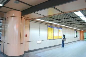 metro-longshan-temple-station-07