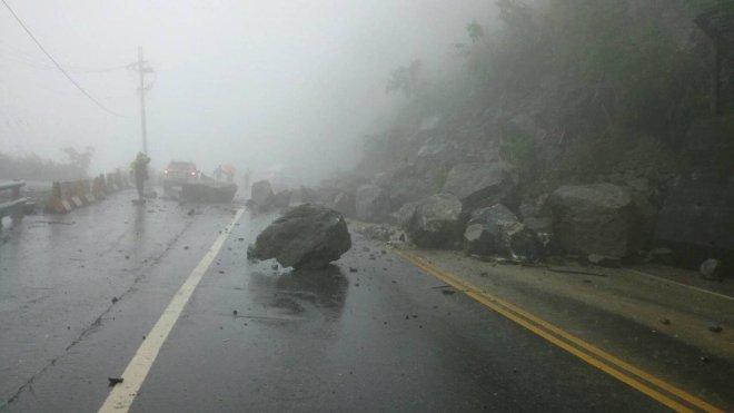 a rockfall on the Su-Hua Highway