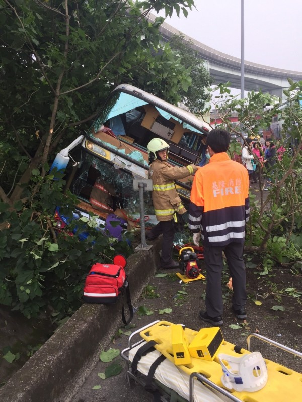 coach after crash on National Highway near Keelung