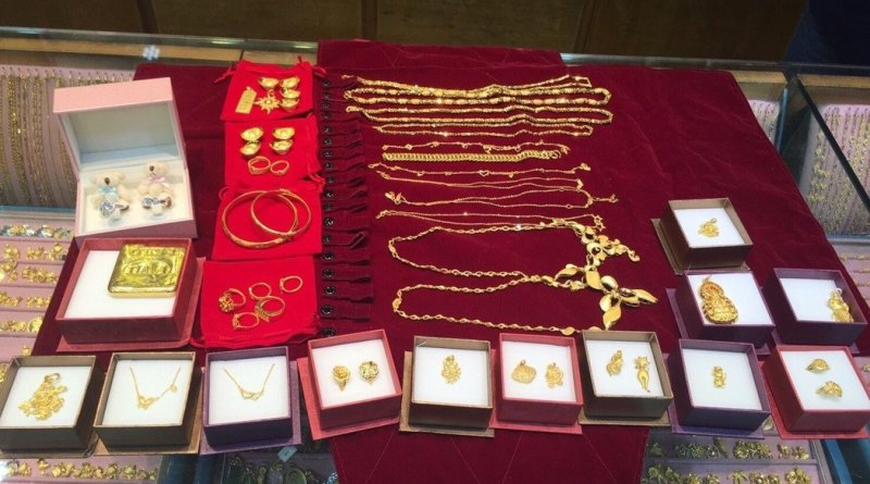 gold jewelry attempted robbery