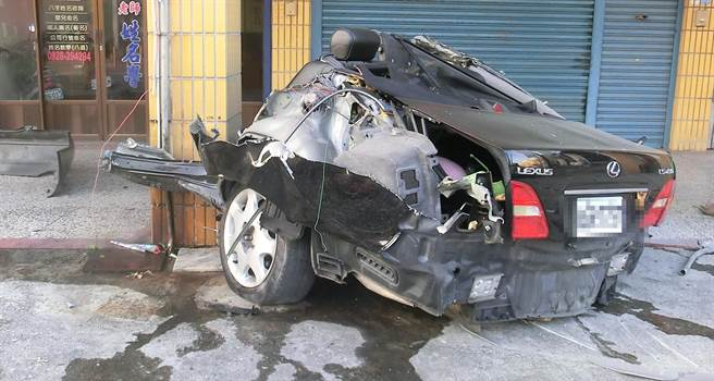 back half of lexus after accident