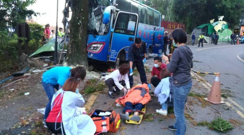 coach crash in Nantou County