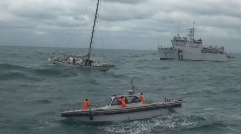 coast guard vessels rescue crew of yacht