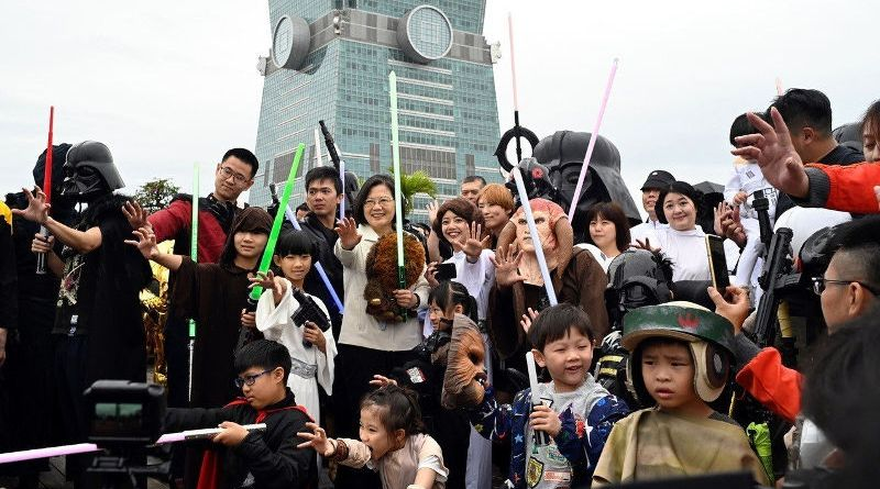 President Tsai Ing-wen poses with Star Wars fans May 4, 2019