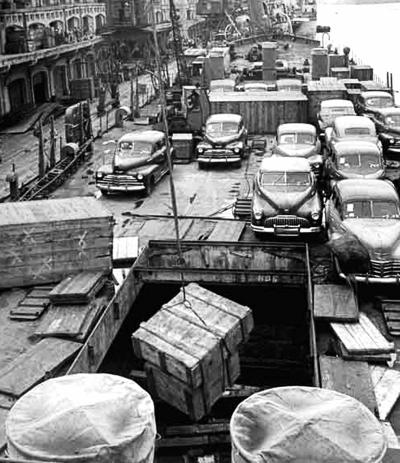 1949-中國金融中心-上海碼頭-搶運物資