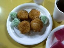 Hidangan moreh selepas solat Tarawikh.