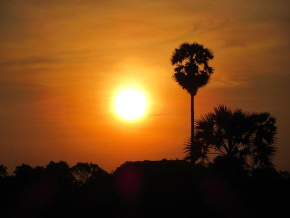 Angkor_Wat_SunRise4